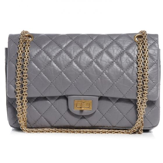 569e32dafd9a This is an authentic CHANEL Aged Calfskin 2. 55 Reissue 226 Flap in Grey.