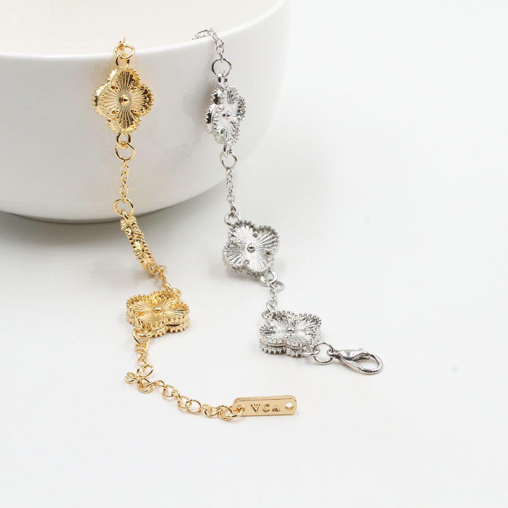 اسوارة فان كليف 5 وردات الجديده متوفر بلونين فضي وذهبي مزود بقفل لوبستر قابل للتحكم بالقياس صنعت في كوريا Jewelry Chain Necklace Gold Necklace
