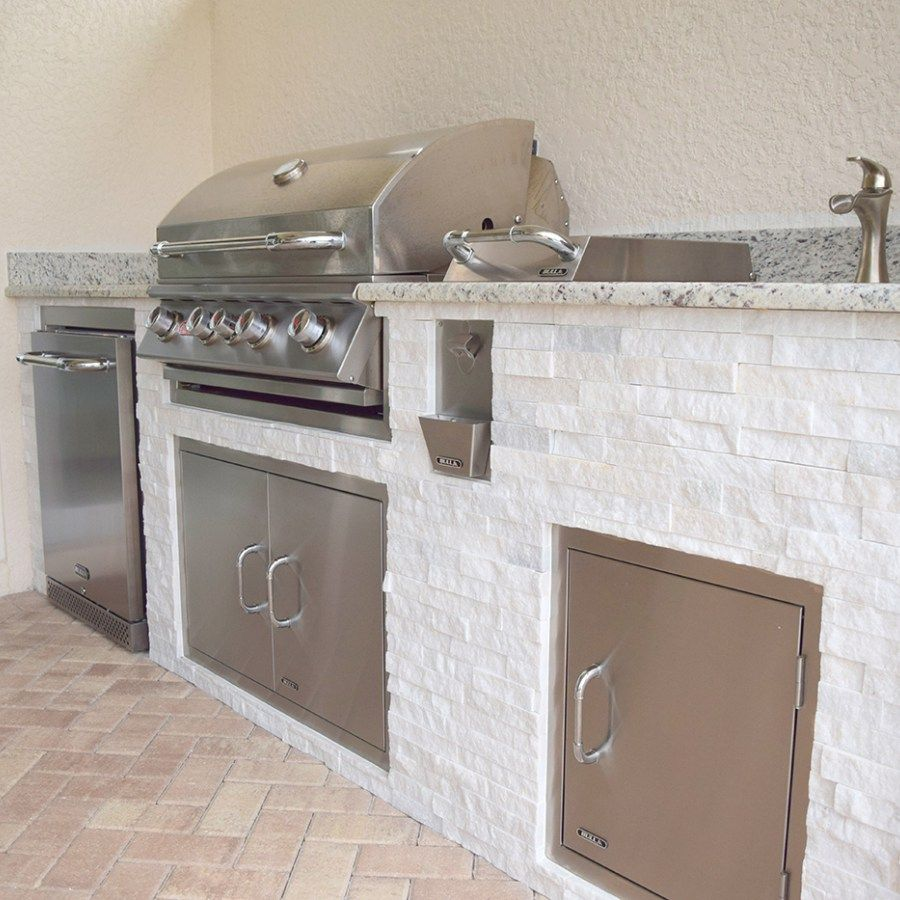 Custom Outdoor Kitchen Construction of Fort Myers Florida