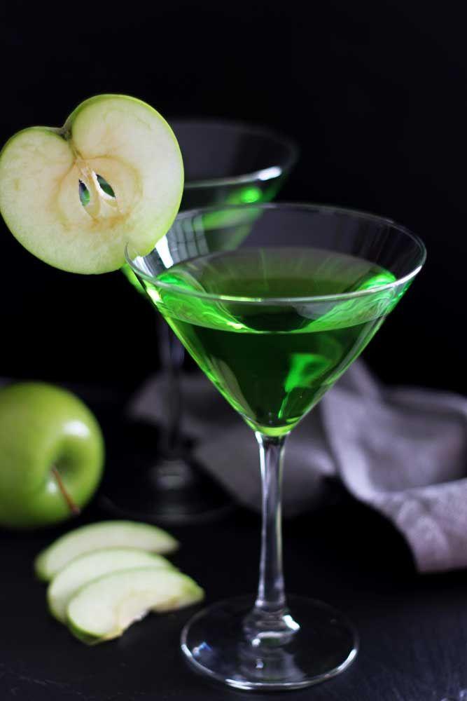 Green Apple Martini Recipe Food recipes, Green apple