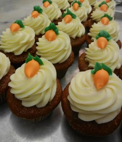 Carrot Cake Cupcake Design Using Buttercream With Images