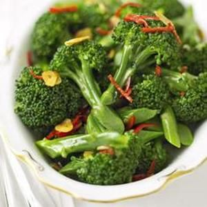 Broccoli with Chilli and Crispy Garlic from BBC Good Food ― Rev up your metabolism with chili peppers while detoxing with broccoli. The high fiber found in this cruciferous vegetable binds to toxins and keeps you regular so you can eliminate them from the body. Found at www.edamam.com.