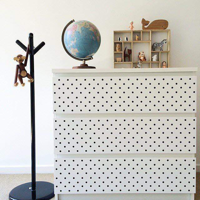 commode pour enfant ikea avec stickers id es d co. Black Bedroom Furniture Sets. Home Design Ideas
