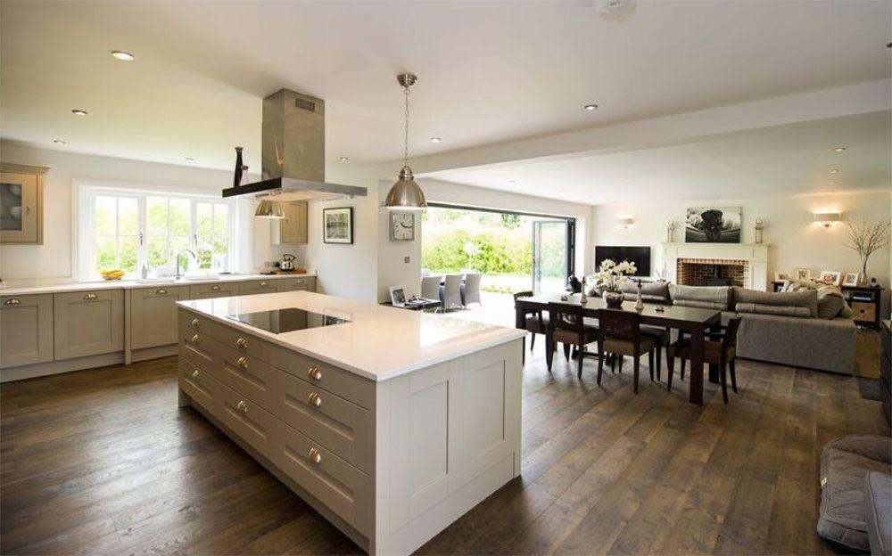 Connoisseur Milbourne Stone with White Quartz Worktop