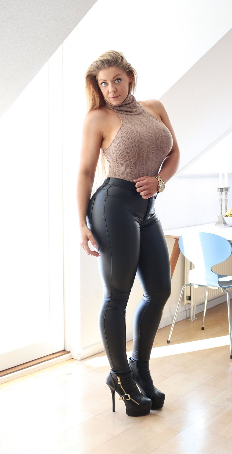 42c94c98 Angels in Tight Leggings and High Heels | Sexy Women in 2019 ...