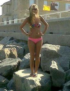 Actresess in bikini