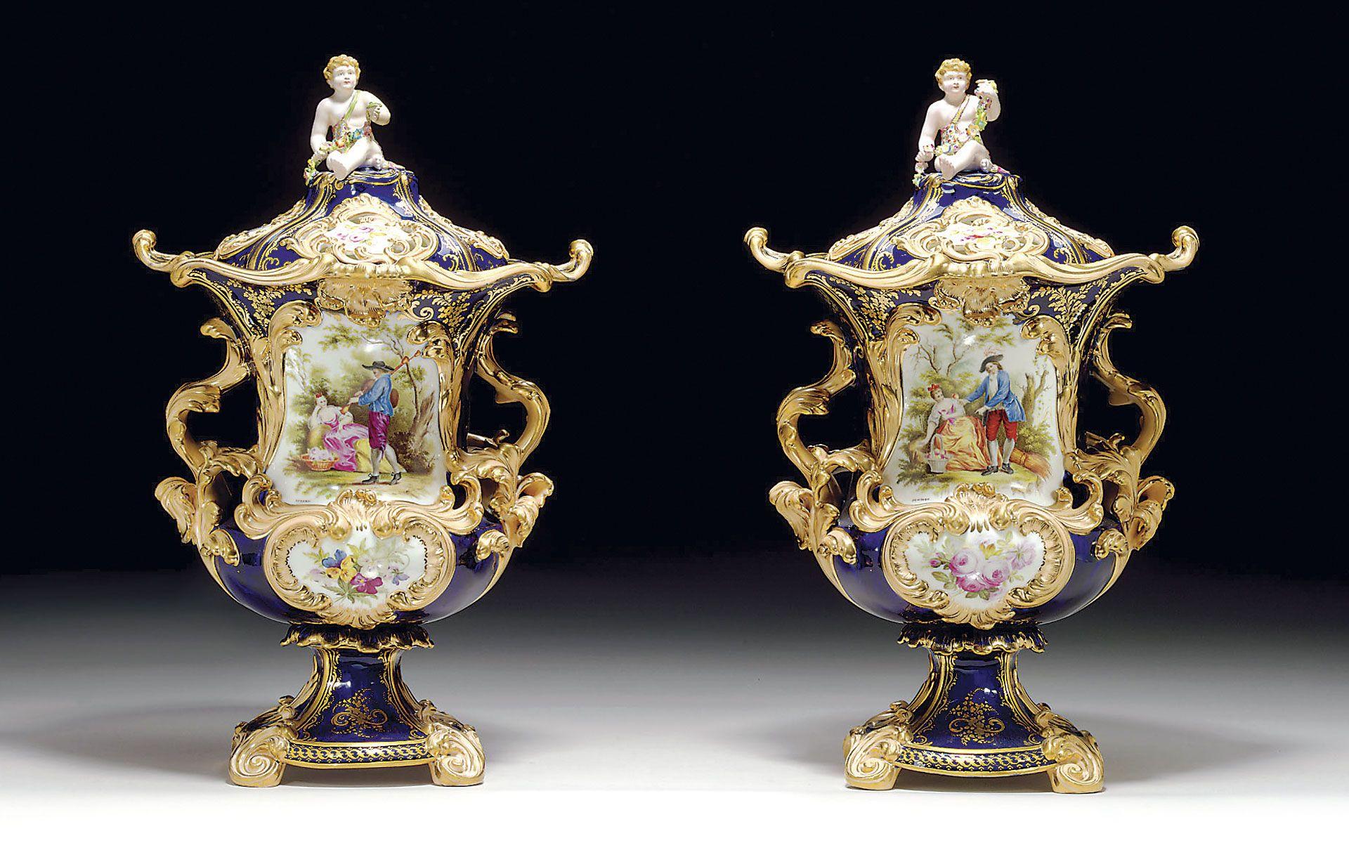 Thomas Minton Pair of Cobalt Blue Ground Potpourri Vases & Covers, cir. 1838