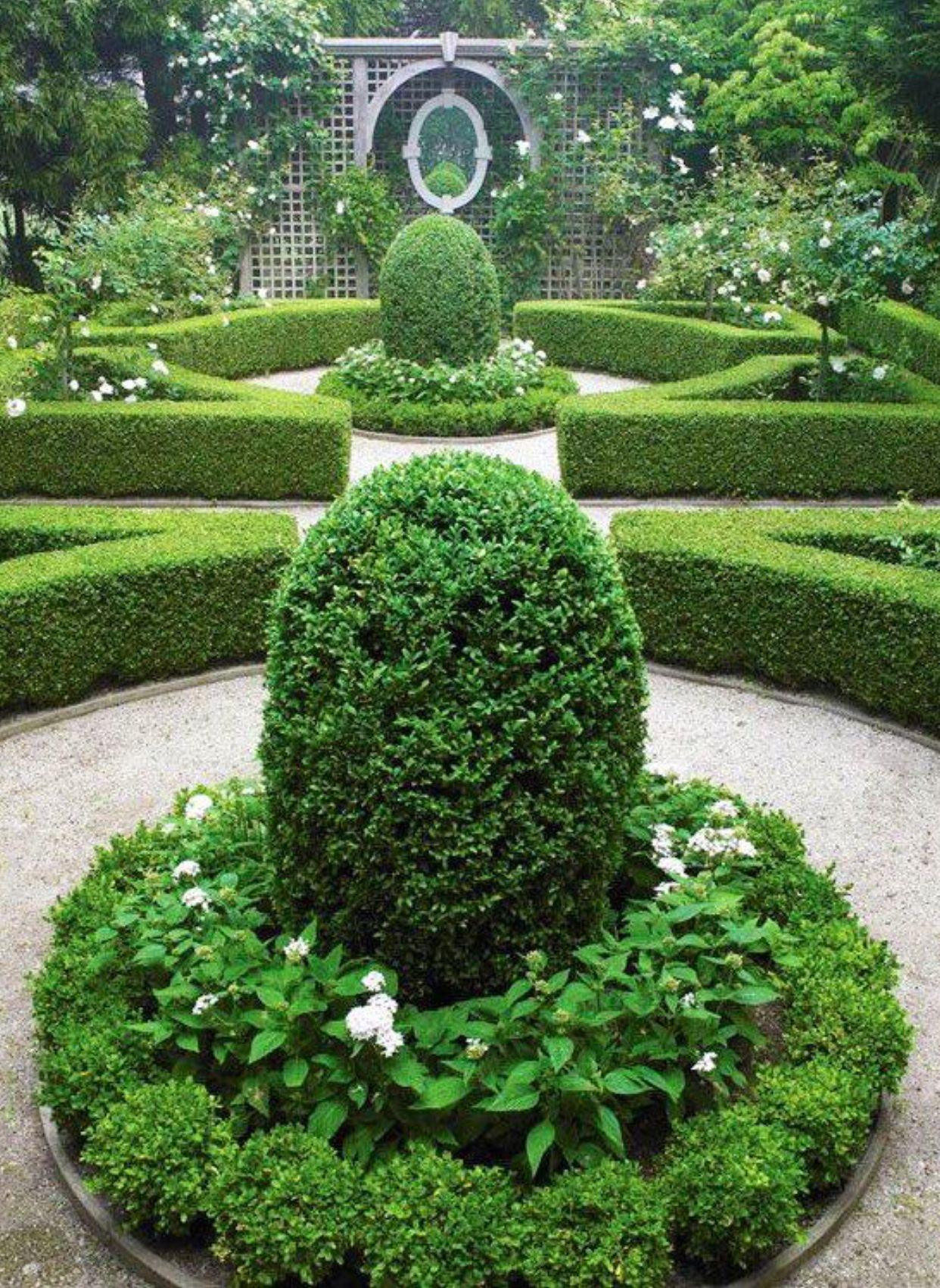 My little backyard little versailles lol top landscaping garden design pinterest - My little jardin ...