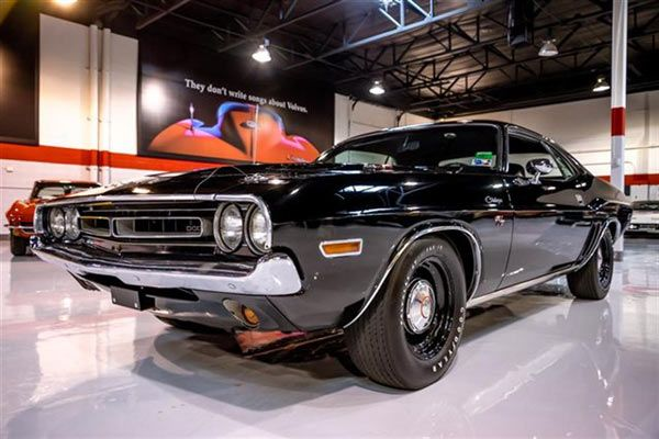 Buy Of The Day, 1971 Dodge Challenger R/T 426 Hemi Click to Find out more - http://fastmusclecar.com/best-muscle-cars/buy-of-the-day-1971-dodge-challenger-rt-426-hemi/ COMMENT.