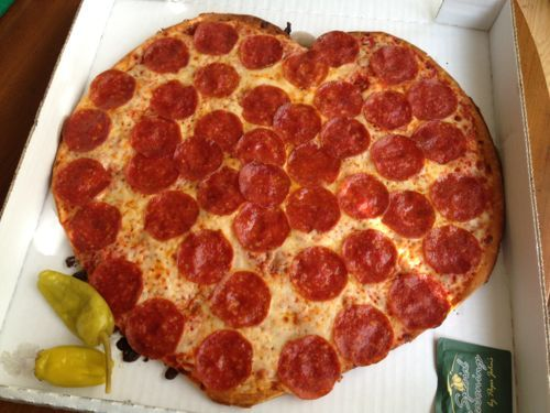 Valentine S Day Grub The Heart Shaped Pizza From Papa John S Heart Shaped Pizza Papa Johns Papa Johns Pizza
