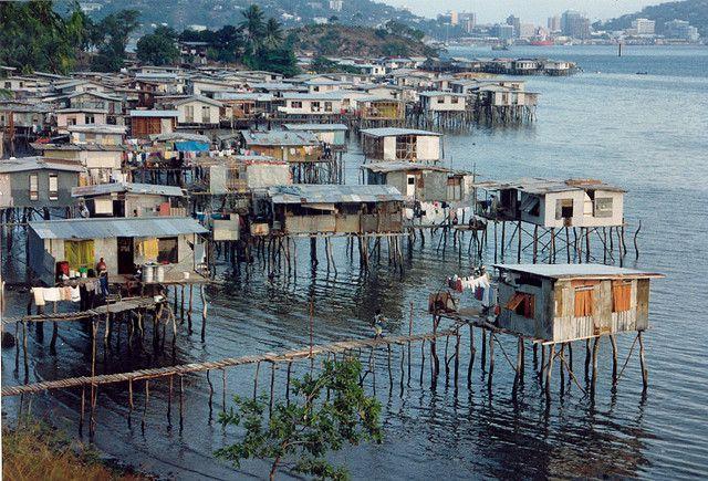 海上の家の画像です パプアニューギニアの絶景写真画像 パプア