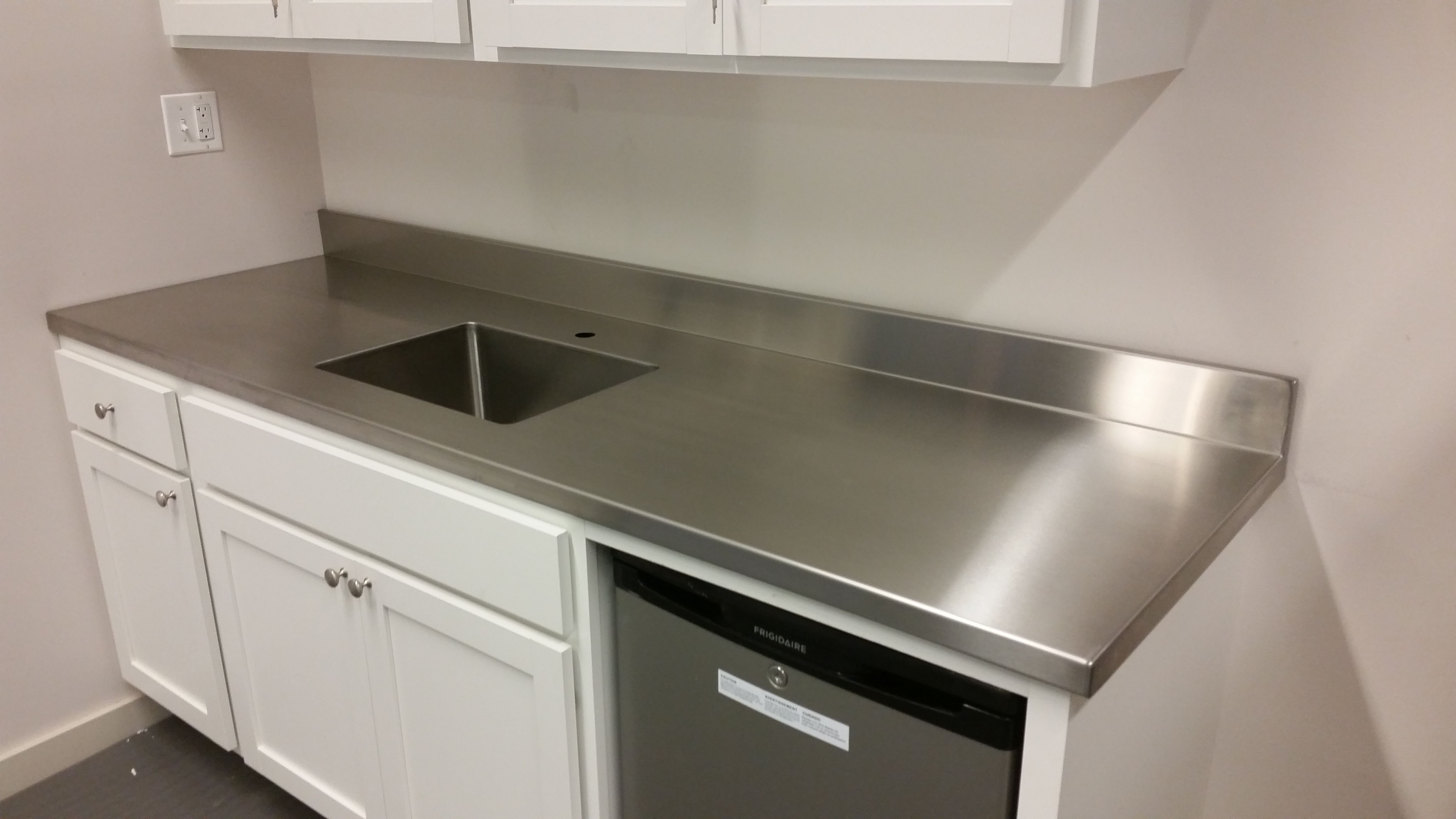 Stainless Steel Countertop Paws Jpg 5312 2988 Countertops
