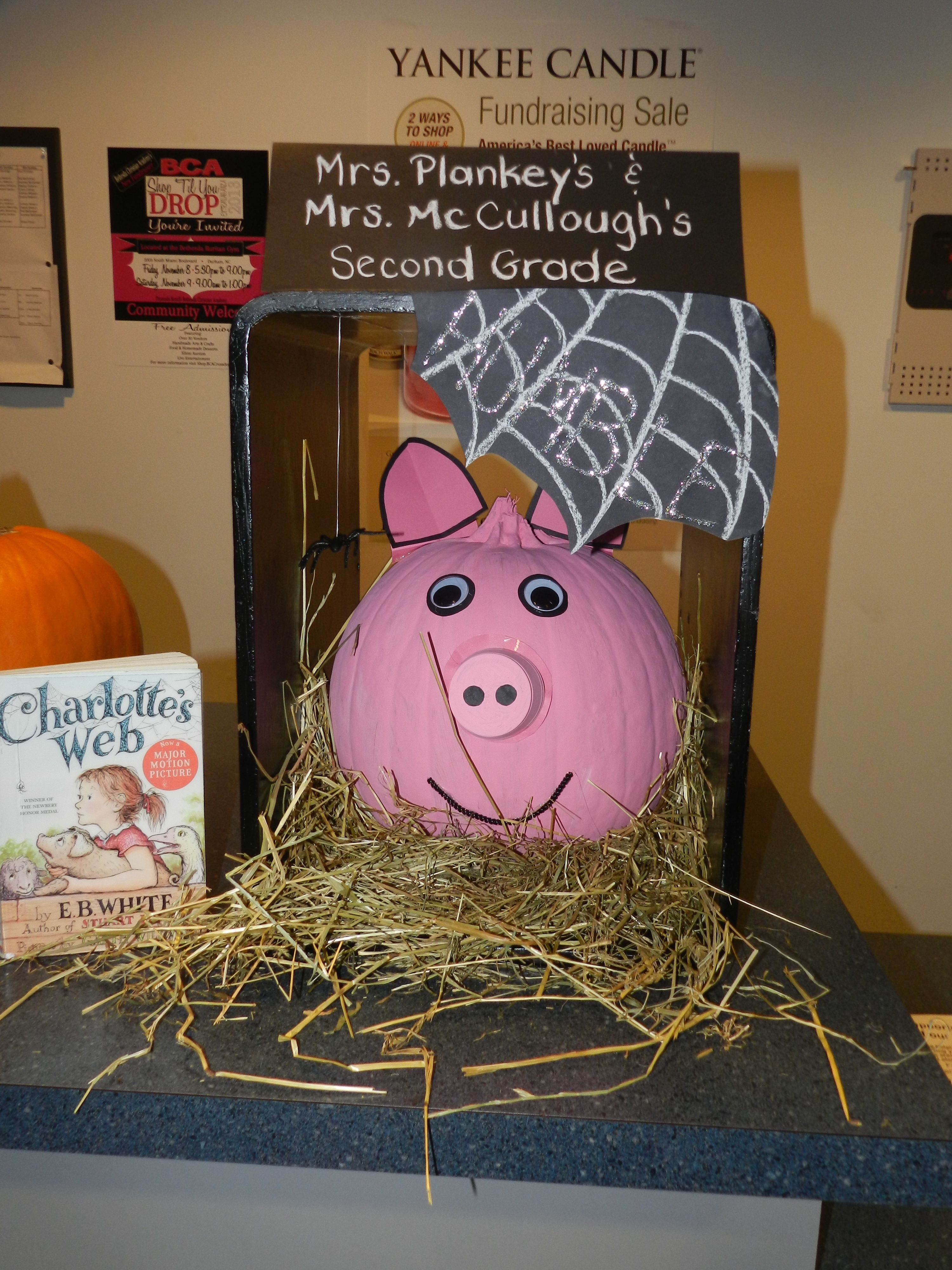charlottes web book report setting