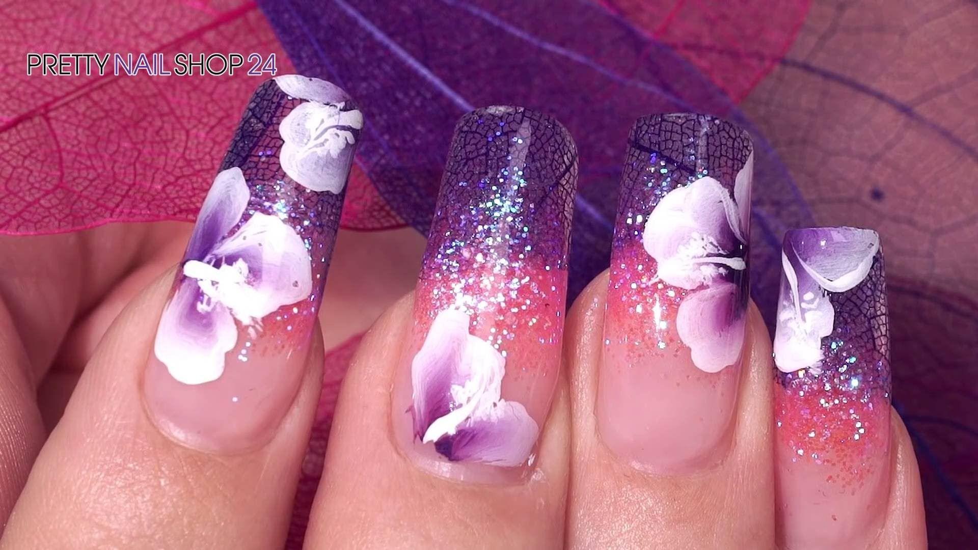 #glitter   #flowers   #nails   #nailart   Atemberaubende Skelettblätter, kombiniert mit schillerndem Fairy Glitter verwandeln Deine Nailart in traumhafte Kunstwerke. Du möchest wissen, wie das geht? Dann schau Dir dieses Video an. Hier findest Du alle verwendeten Produkte: http://www.prettynailshop24.de/shop/nailart-fairy-nails-video_758.html#Produkte?utm_source=pinterest&utm_medium=referrer&utm_campaign=pi_Nailart_KW21_16