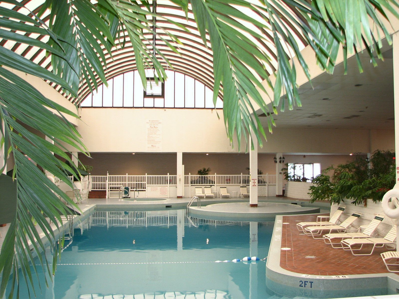 Hotel With Indoor Pool And Jacuzzi In Evansville Indiana Clarion Inn 4101 Hwy 41 N