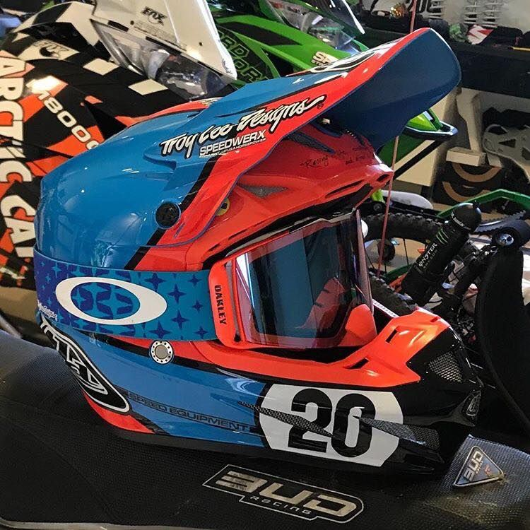 46f02a8b35 Oakley has released the all-new Front Line MX goggle as the latest addition  to their high impact line of motocross goggles with a list of high-end  features ...