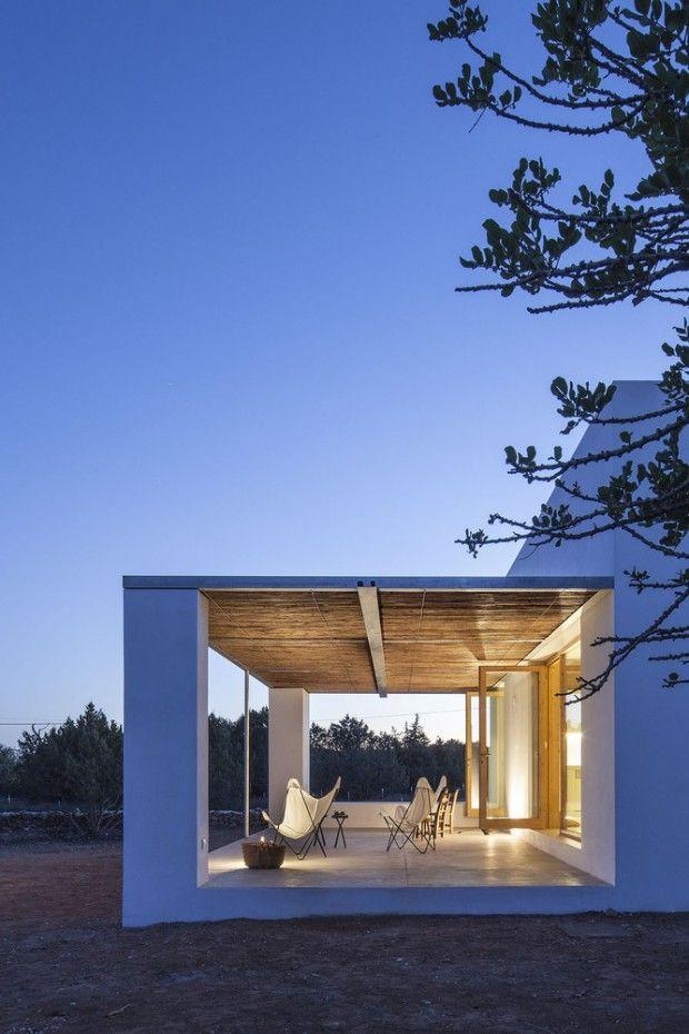 Petite maison formentera par l architecte mari castell exterieur petite maison petite - Petite maison architecte ...