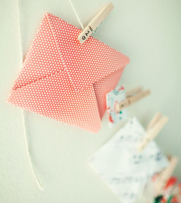 25 Creative Advent Calendars | Simple Strung Envelopes by The Little Red House
