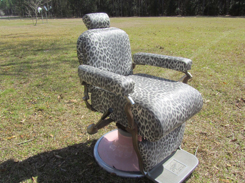 Vintage Barber Chair Barber Chair Hair Salon Furniture Retro Chair Industrial Furniture Recliner Chair Pink 1950s Leopard Print Black Retro Chair Hair Salon Furniture Vintage Chairs