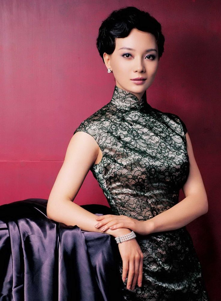 """Cheongsam (旗袍)....not sure what that says, but I think it says """"super sexy"""""""