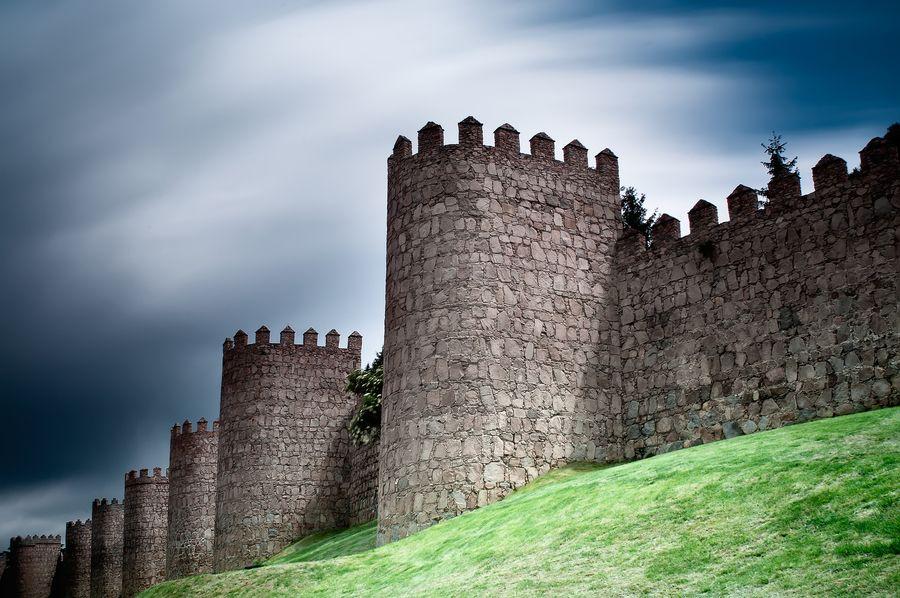 The Wall by Sergio  Sánchez, via 500px
