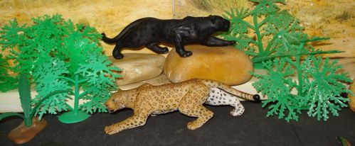 PAPO Black And Spotted Leopard Together Again Dinosaur