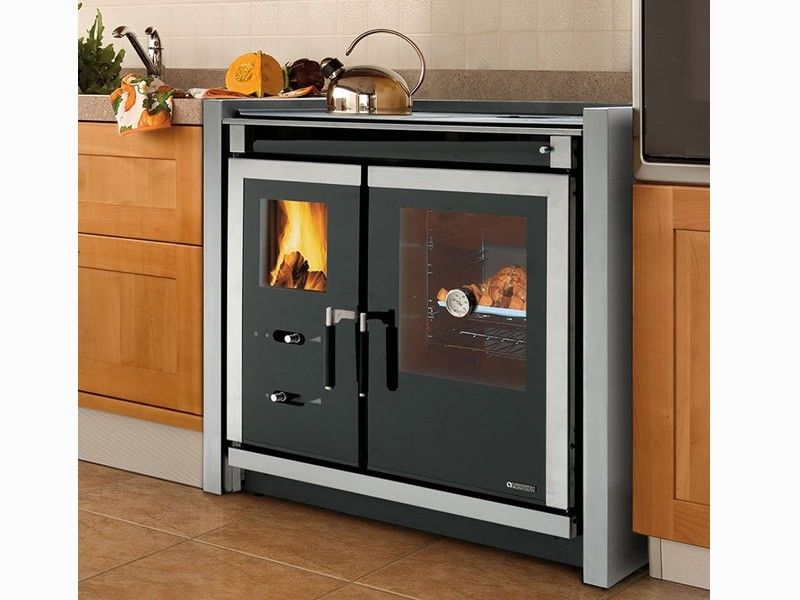 Zero Clearance Wood Cook Stove By La Nordica Italy Wood Stove Cooking Wood Stove Wood Stove Fireplace