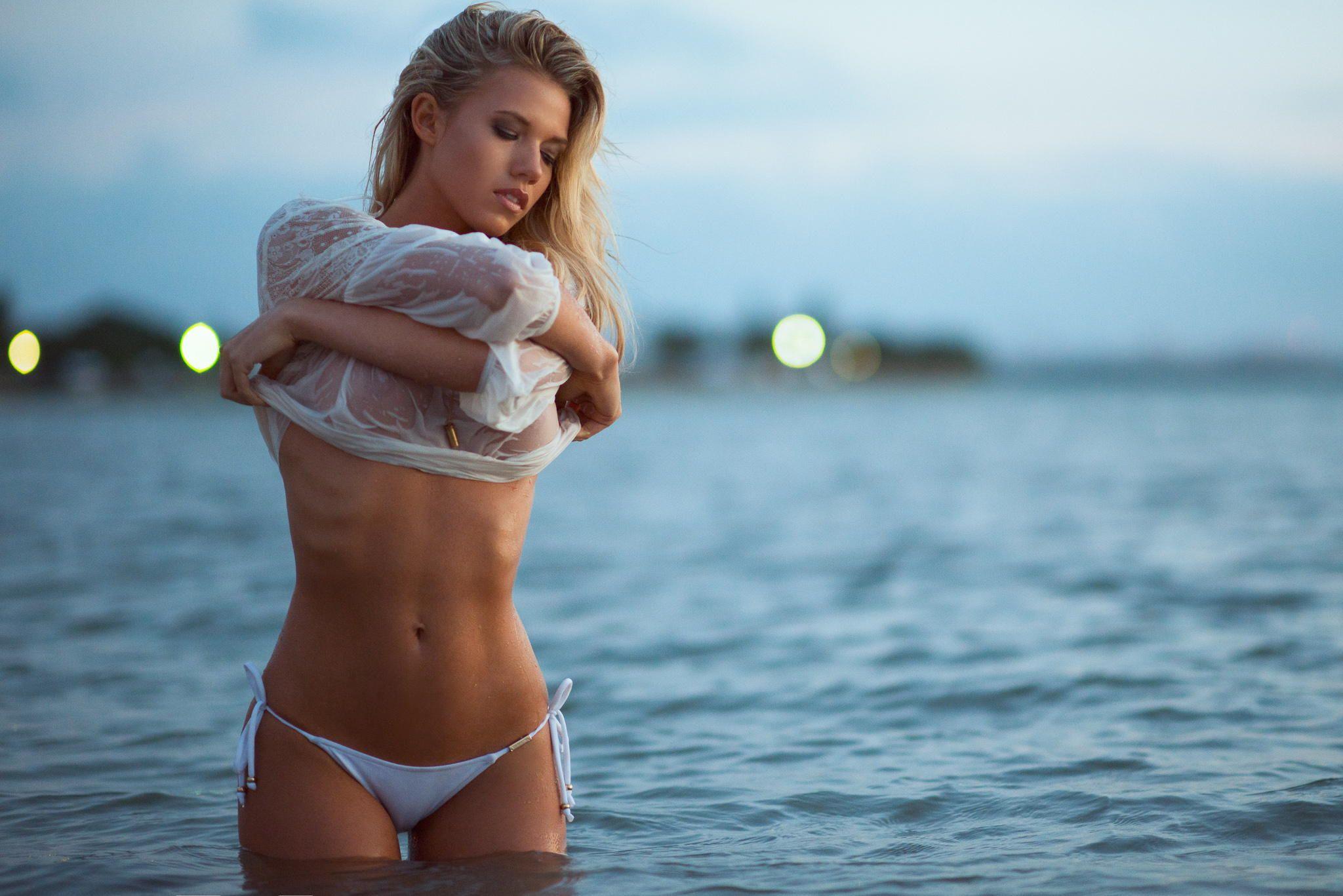 Charlotte mckinney bikini hiding butthole nudes (63 photos)