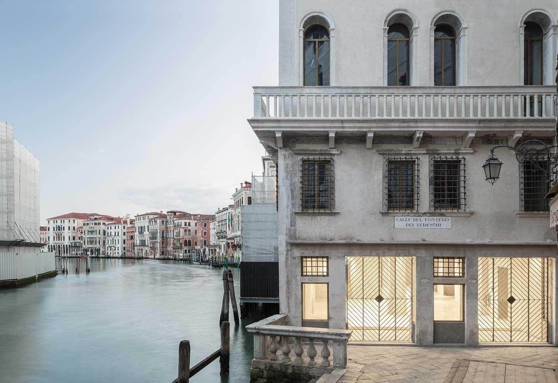 OMA's Restoration of Fondaco dei Tedeschi, Landmark Building in Venice | Yellowtrace
