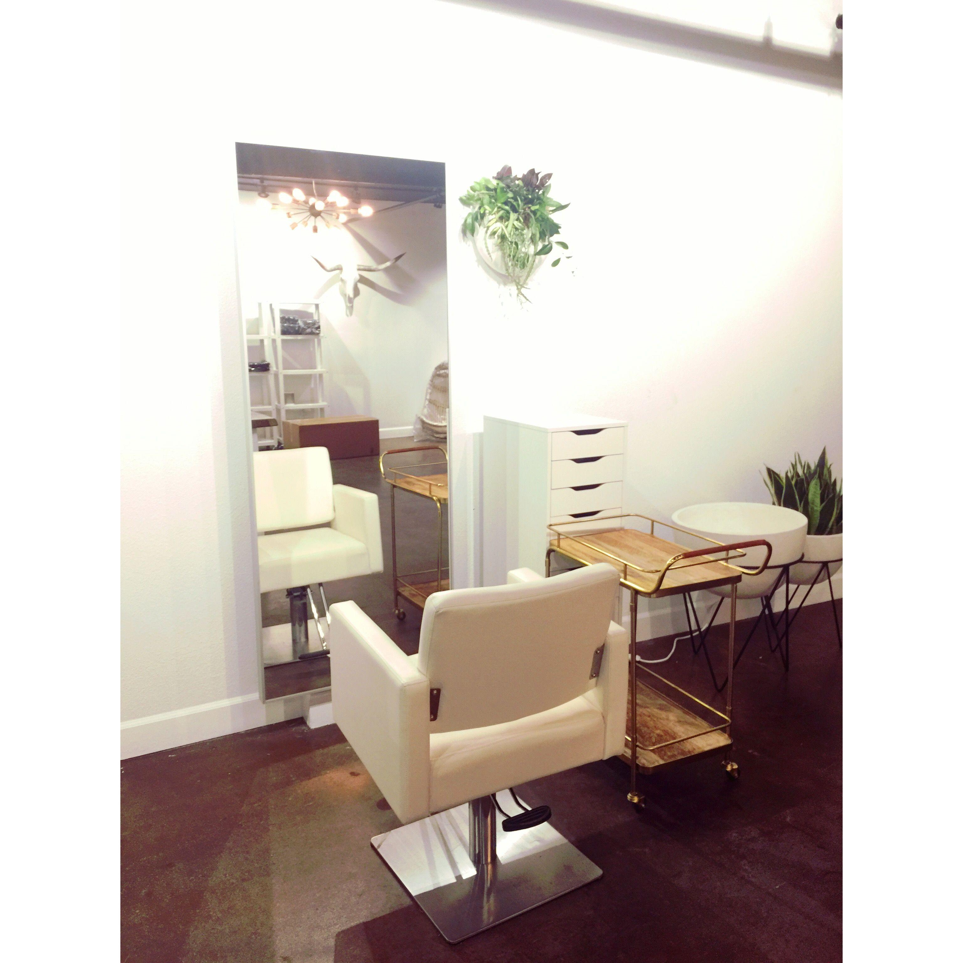 Waylon Salon Station White Salon Chair West Elm Jungelow La Jolla