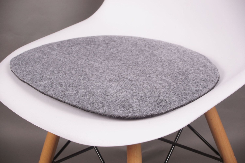 Vilt Kussen Eames : Kussens voor in de stoelen bv van dit merk eames grijs