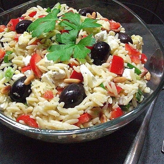 Griechischer Kritharaki-Salat von familykitchen | Chefkoch