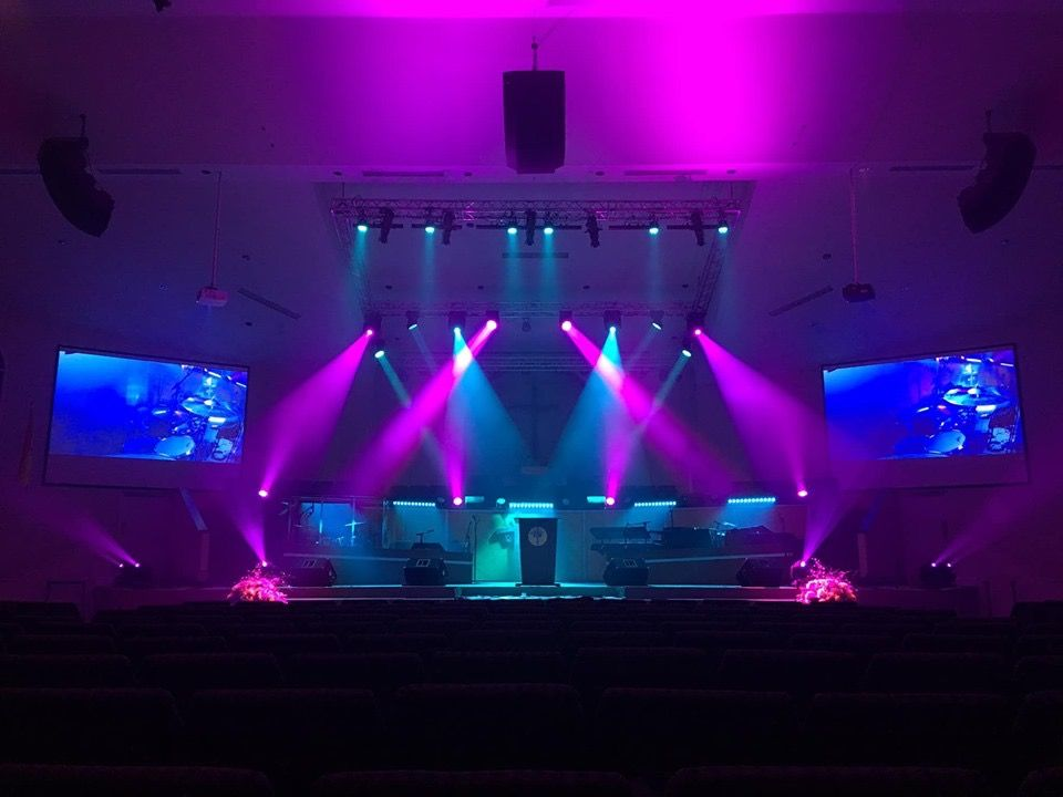 criss cross stage lighting design