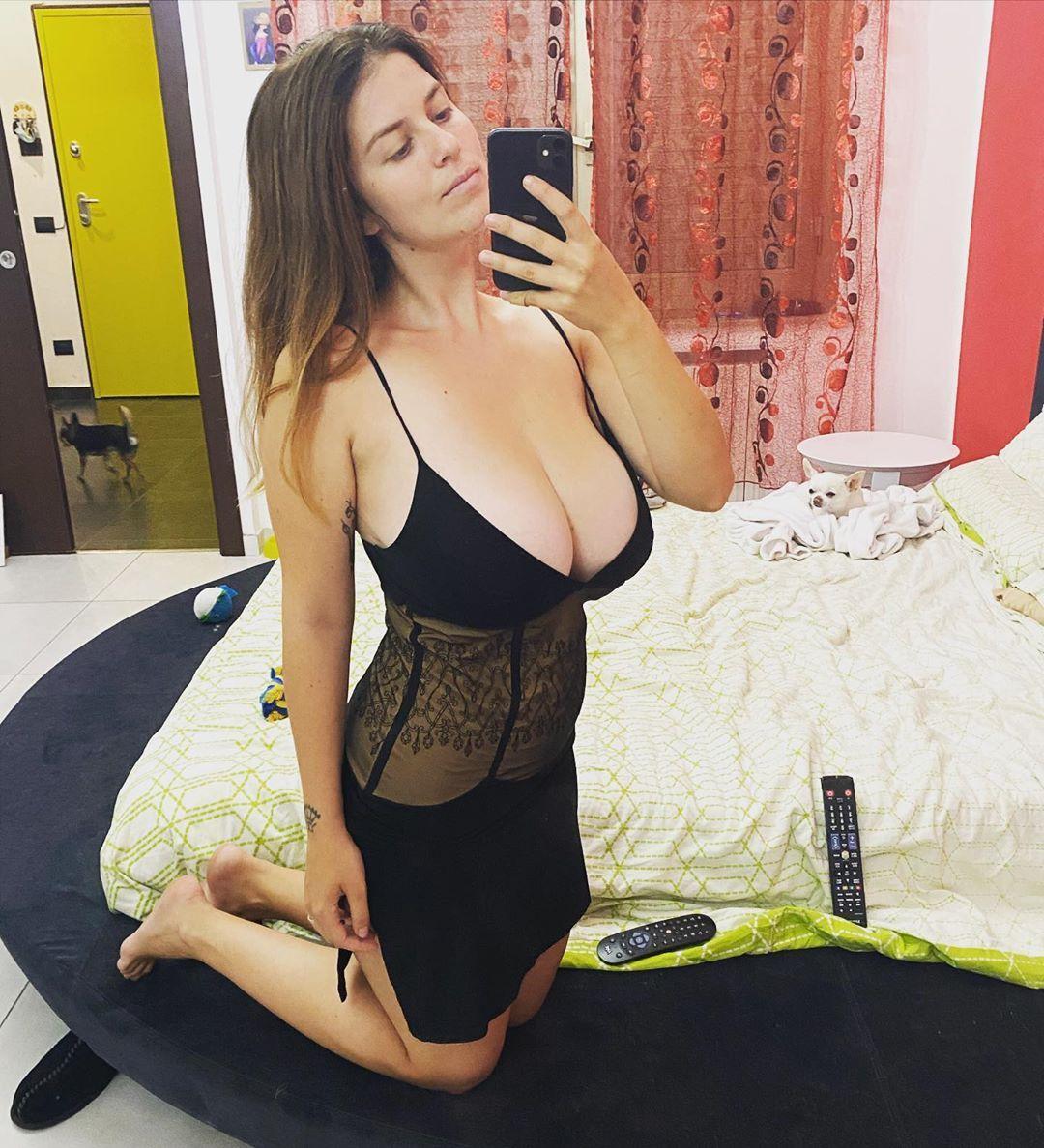 44 3k Likes 1 494 Comments Mădălina Ioana Filip Mady Gio On Instagram Good Night My Friends Mady Home Bad N In 2020 Good Night My Friend Women Fashion