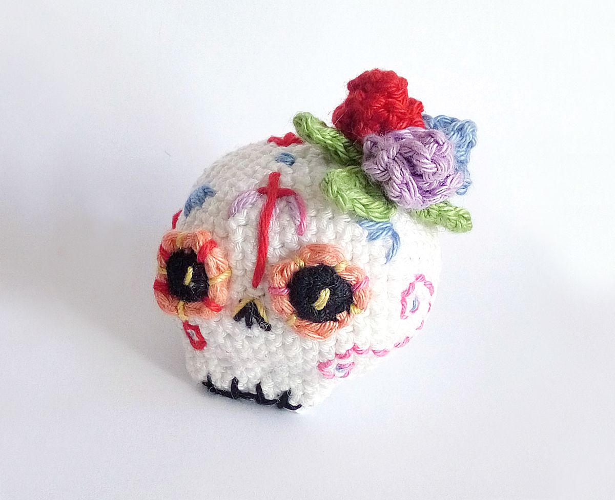 Amigurumi Halloween Free : Sugar skull halloween free pattern amigurumi amigurumi patterns