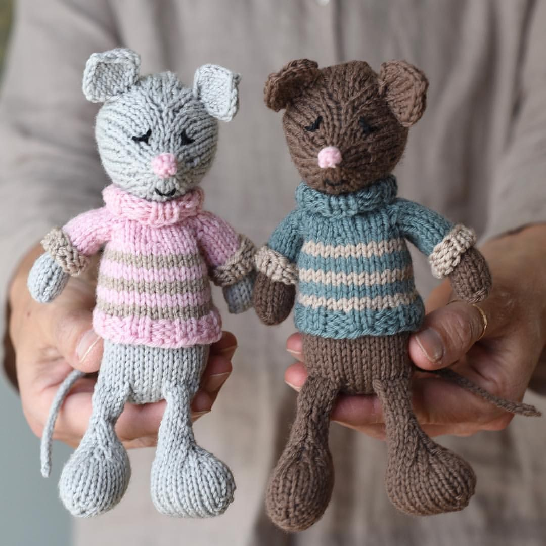 The combination of knitting and healing comes together easily ...