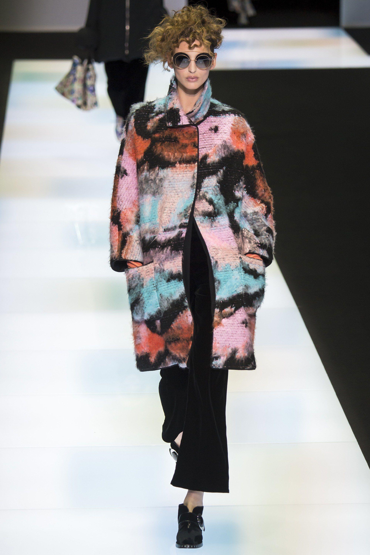 4390396ebbff Giorgio Armani Fall 2016 Ready-to-Wear Collection Photos - Vogue   GiorgioArmani  fashion  brave  Koshchenets