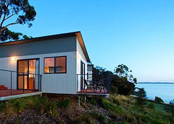 Find Great Swansea Beach Chalets Deals Today Save With No Hotel Booking Fees Located In Swansea This Hotel Is Close To Coles Bay And More