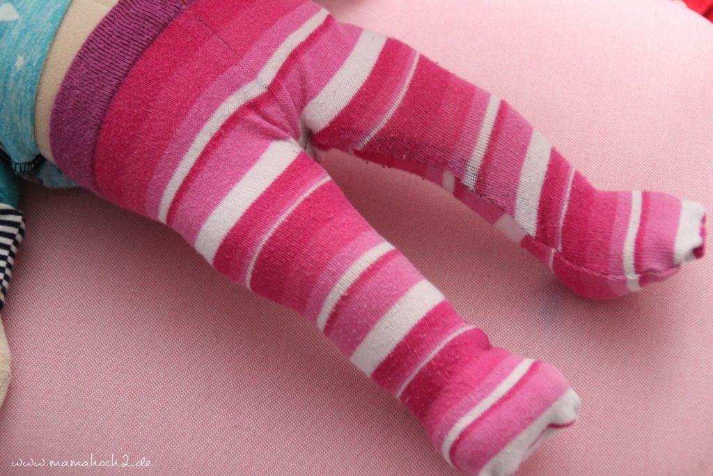 Diy So Nahst Du Strumpfhosen Fur Die Puppe Aus Alten Socken Und