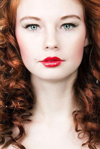 Die rote Zora | Zora, Model, Make up