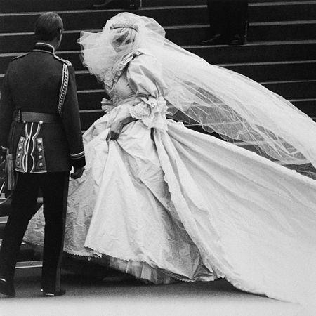 Image Detail For Princess Diana Wedding Dress Mall Of America Jpg Princess Diana Wedding Princess Diana Wedding Dress Diana Wedding