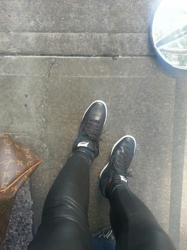 de2918899134c Leather leggings, nike sky high and louis vutton duffle #streetfashion #nyc