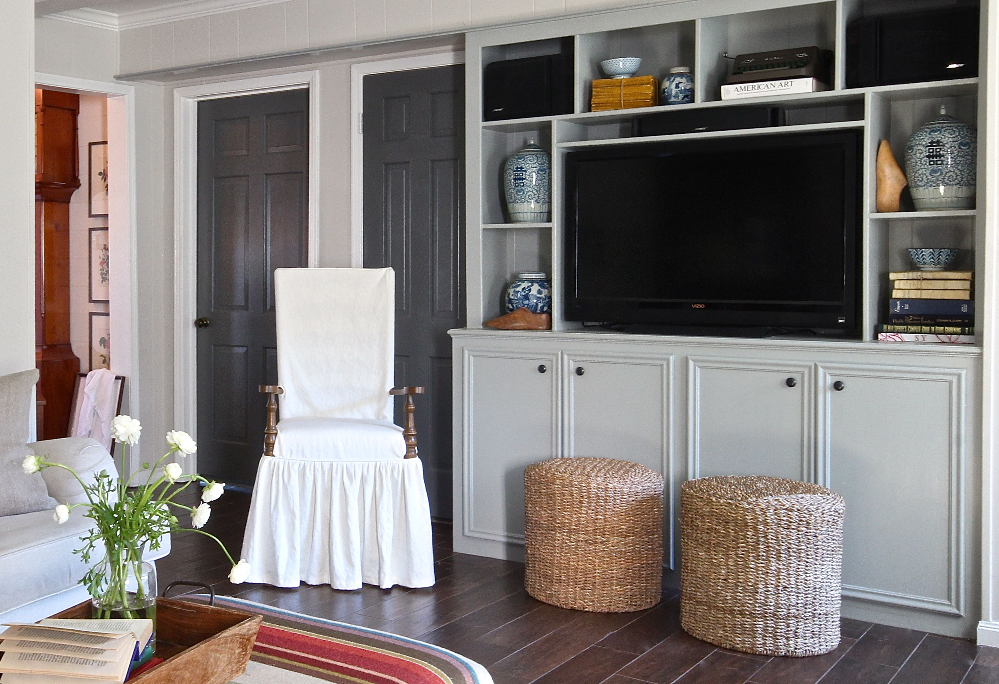 Best Young Houston Family S Home Grey Interior Doors Home 640 x 480
