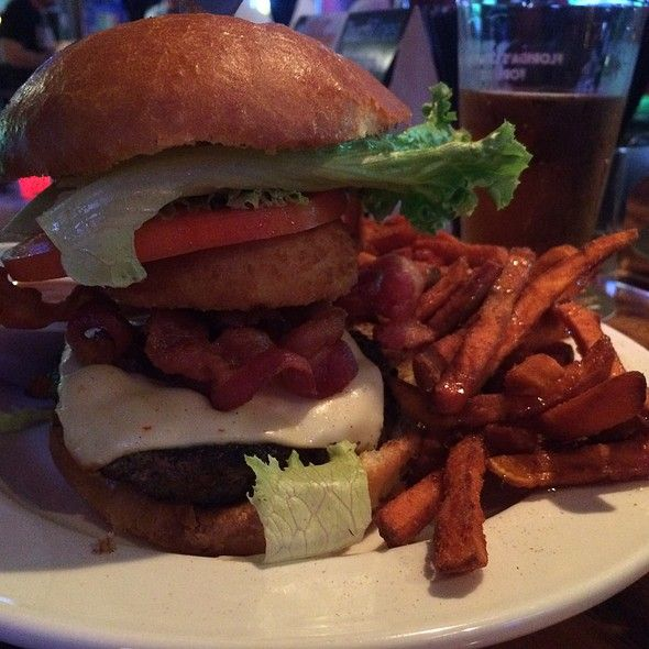 Ray's Rodeo Burger @ Burgers and Suds