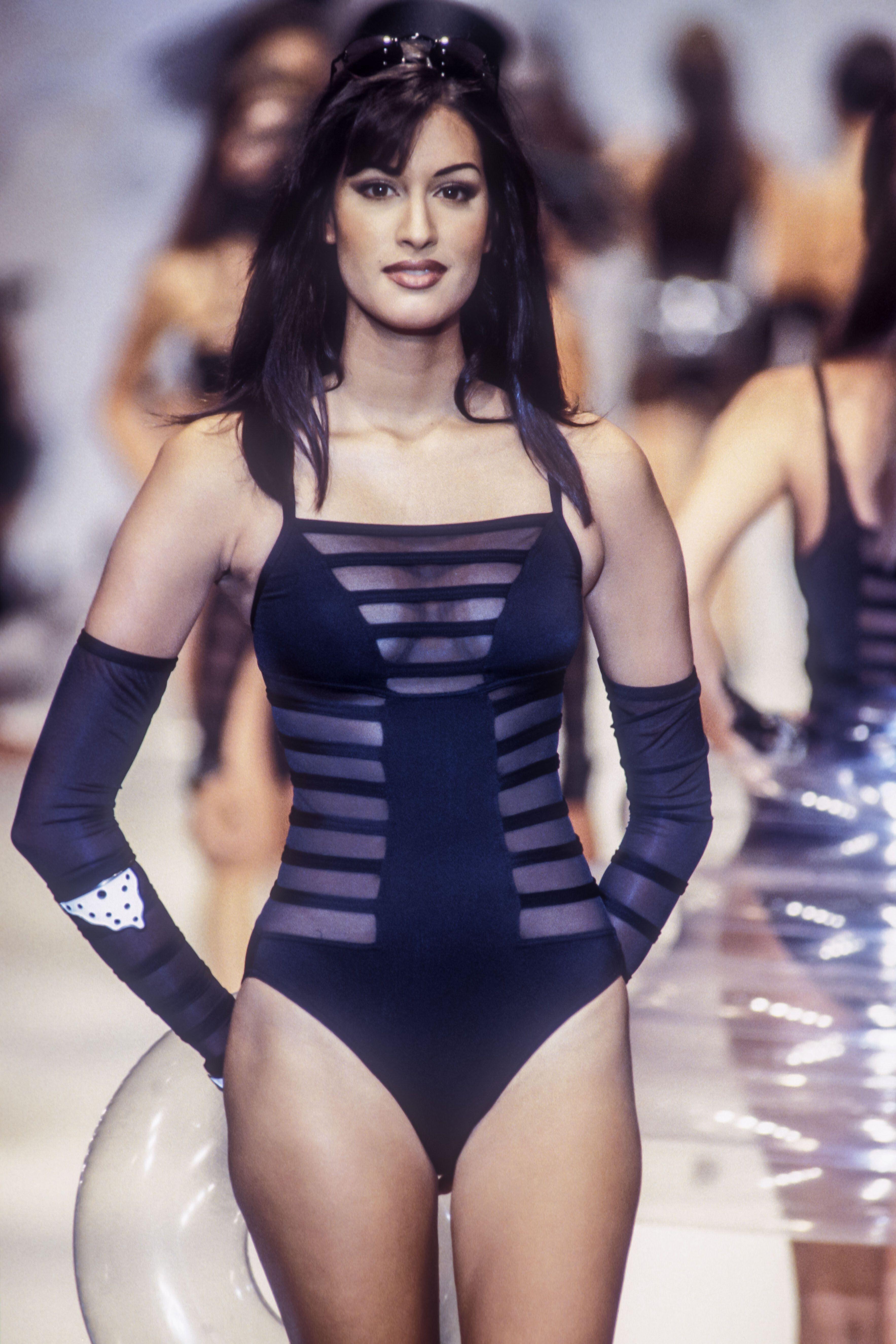 Pin Von Alex Auf Yasmeen Ghauri In 2020 Models Mode Style
