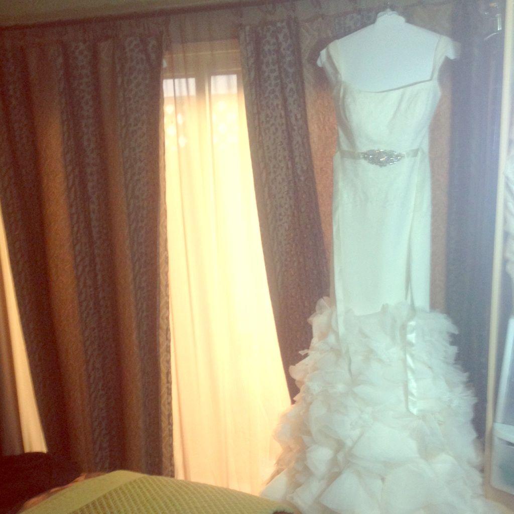 Vera wang mermaid dress extra pics products