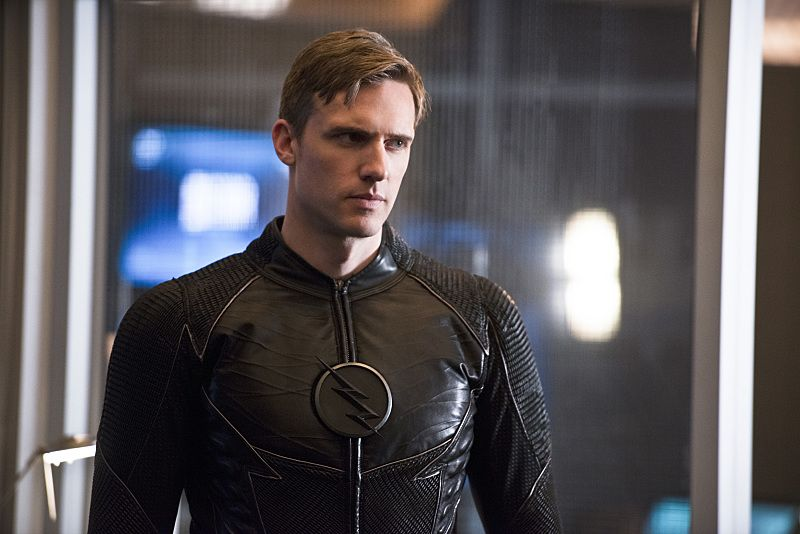 "The Flash -- ""Versus Zoom"" -- Image: FLA218b_0130b.jpg -- Pictured: Teddy Sears as Jay Garrick -- Photo: Diyah Pera/The CW -- © 2016 The CW Network, LLC. All rights reserved. Read more at http://www.comingsoon.net/tv/news/671837-its-flash-versus-zoom-dawn-of-speed-force-in-new-photos#EgTAUBHxCQFeEyt1.99"