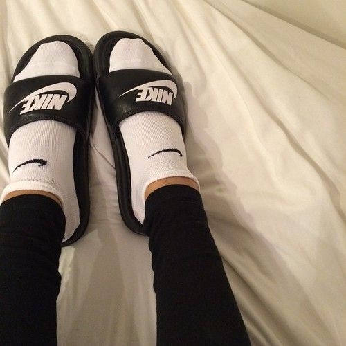 metal Maestro político  Pinterest ;; @ NaeNae Ramirez | Chanclas nike mujer, Zapatos jordan para  chicas, Chanclas nike