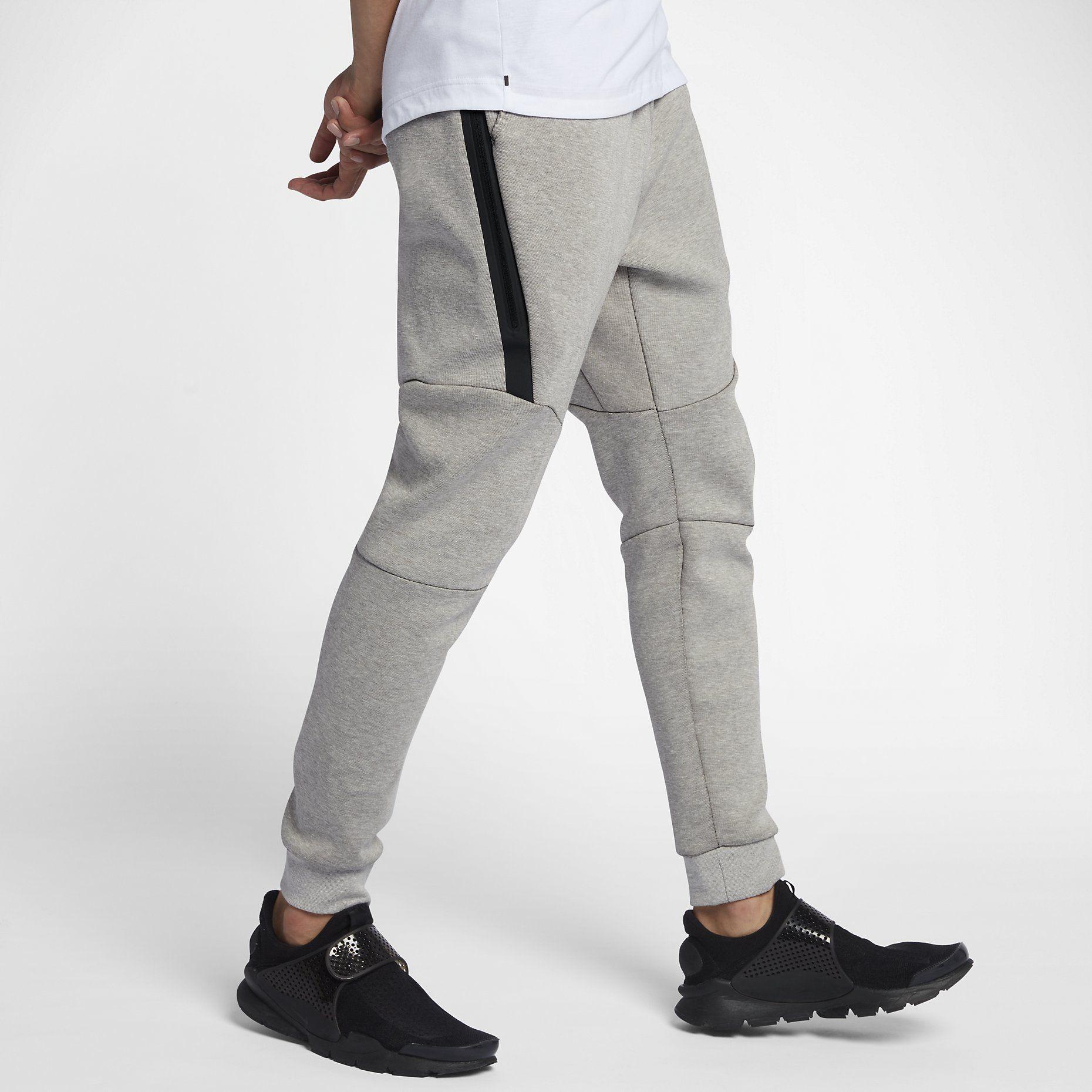 35495e962d8a 60   Nike Sportswear Tech Fleece Men s Joggers - Light Bone ...