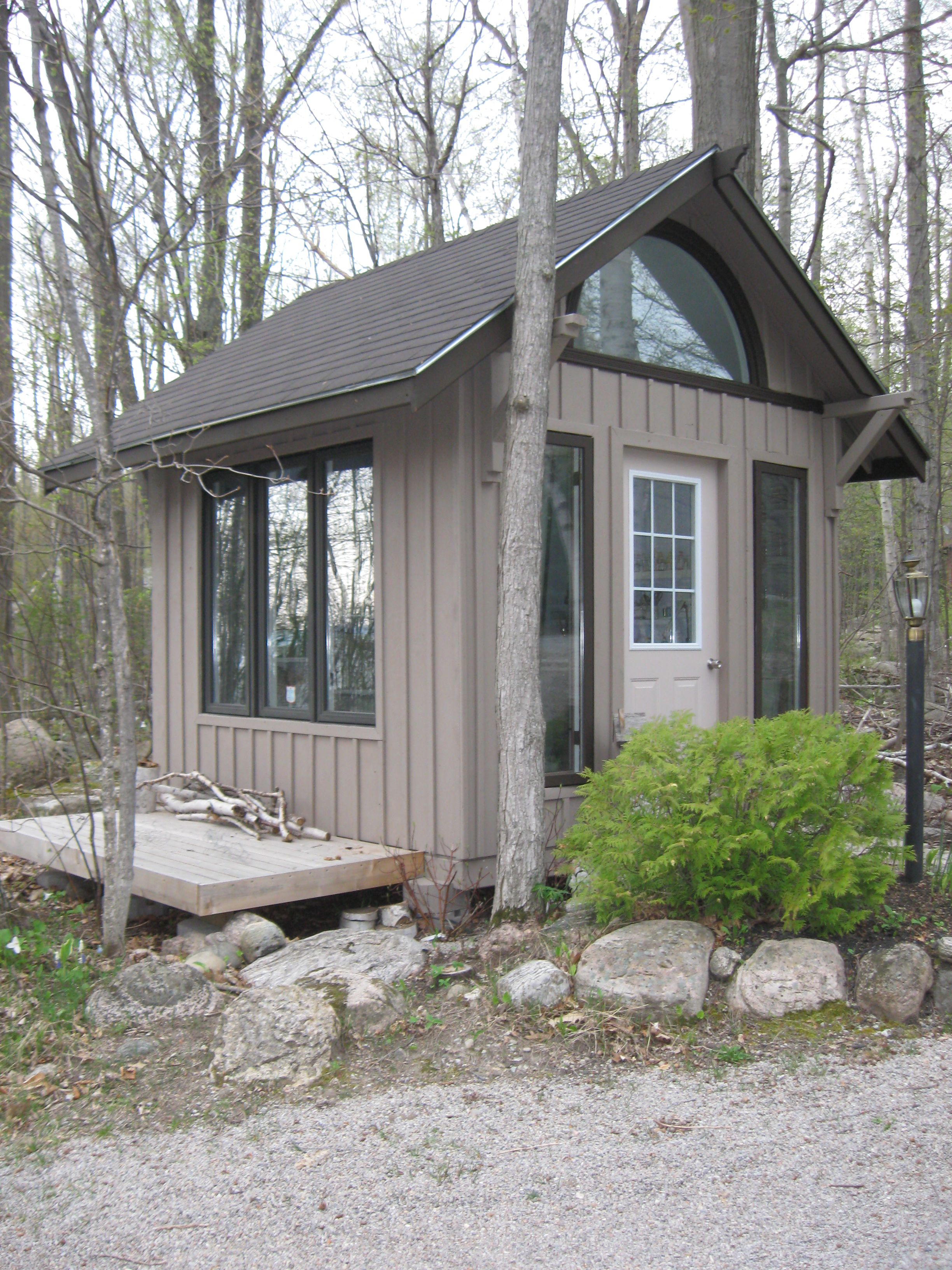 gorgeous artist studio, cottage bunkie idea, backyard office, shed